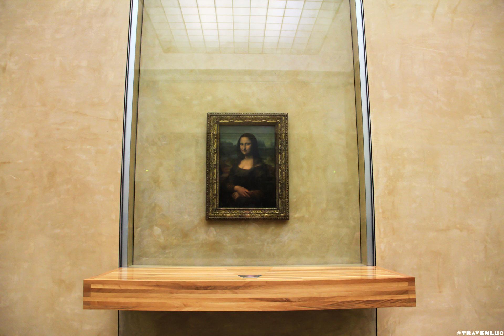 Louvre Museum Inside - Traven Luc
