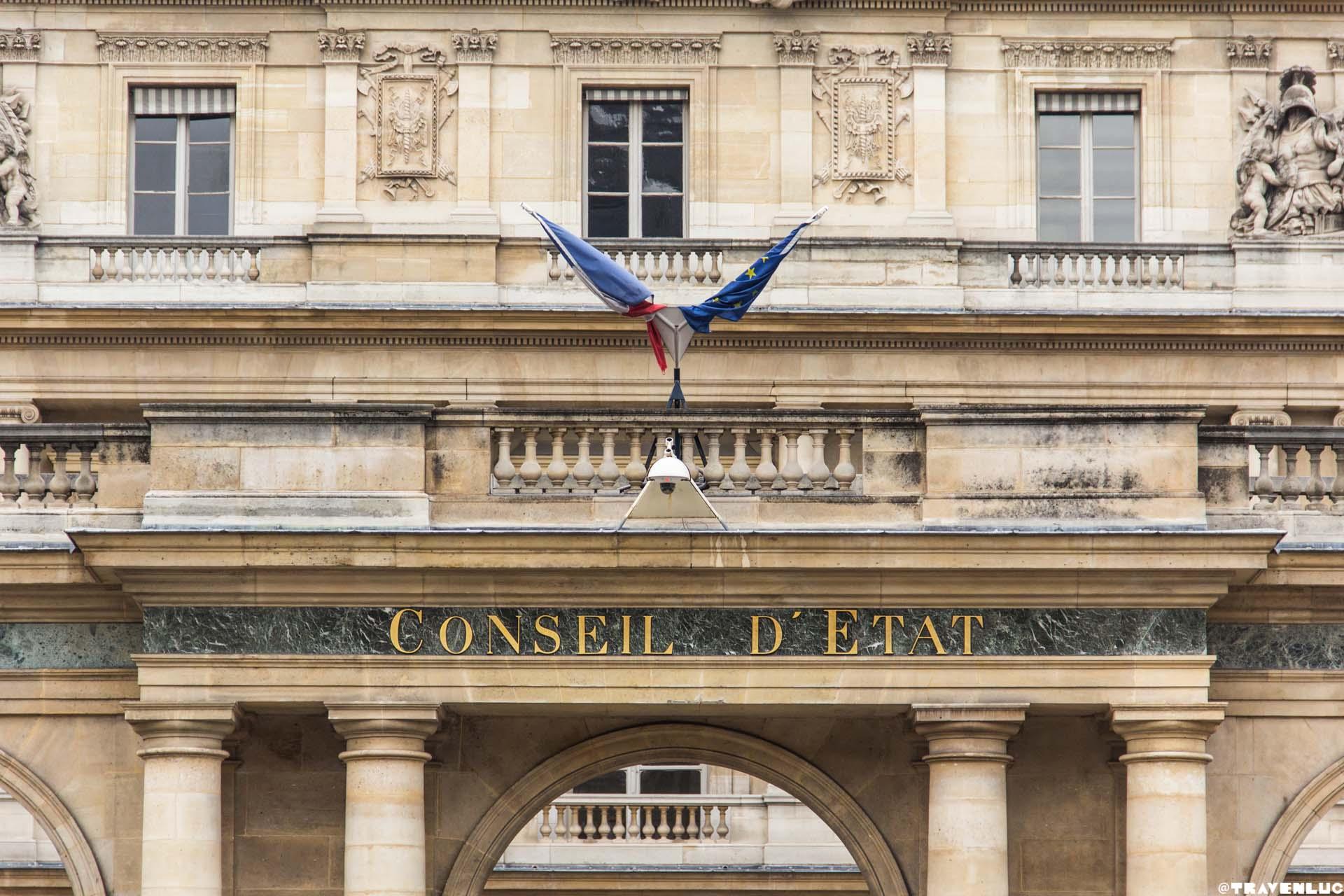 Louvre Museum Outside - Traven Luc